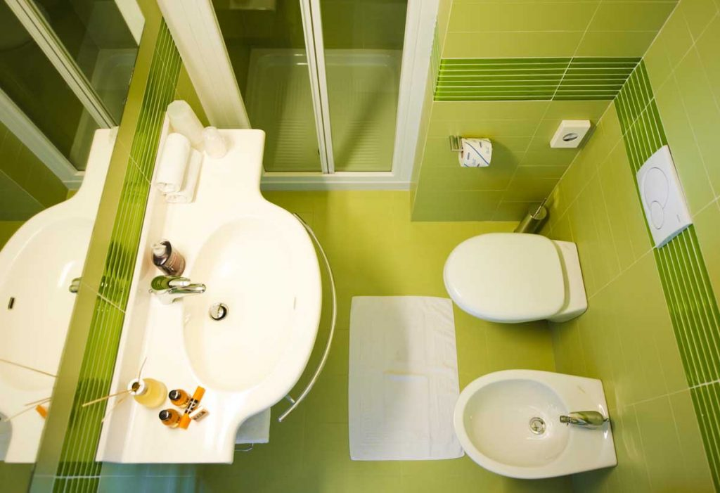 Modern and elegant bathroom, with all the comforts in the rooms of the Hotel Meridiana Malcesine