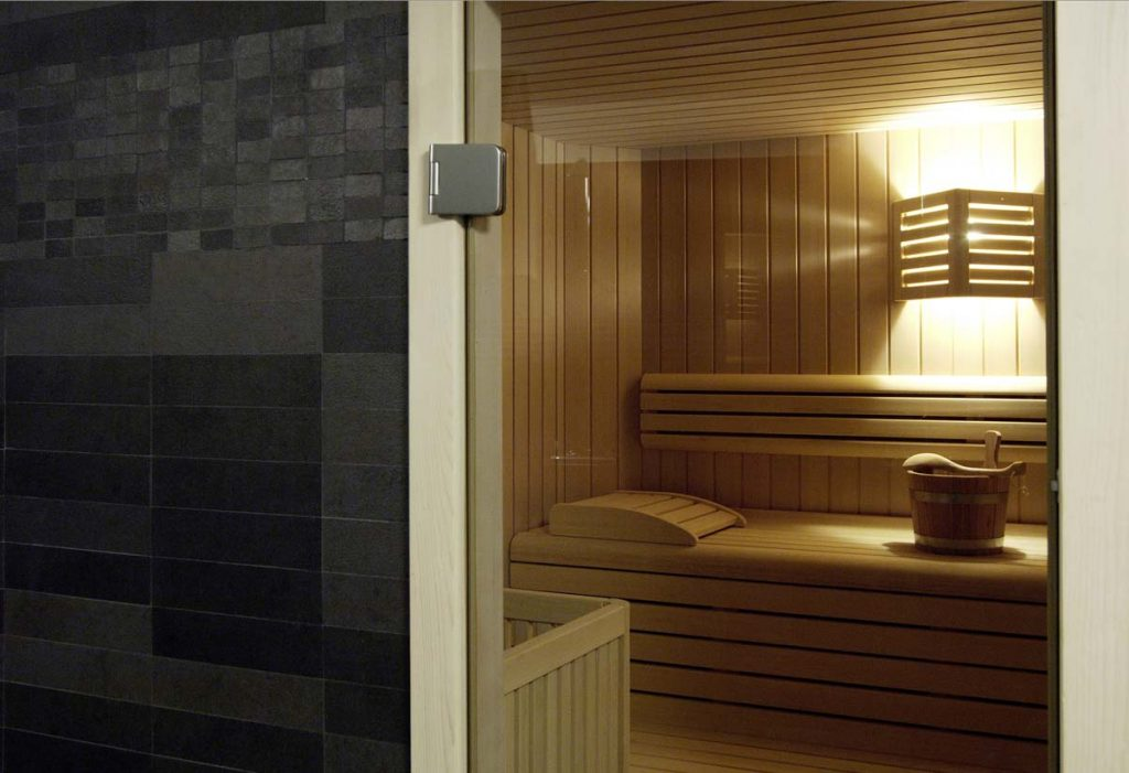 Small relaxation area with shower and sauna at the meridian hotel